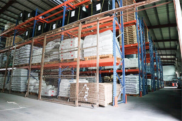 宅配ビニール袋工場の倉庫写真